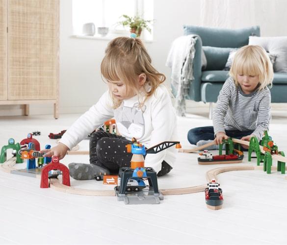 Barnkläder och Leksaker till barn. Stort urval med bra priser
